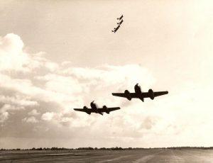 21 John Robertson & Pete McWhirr. Aeros Team 1956