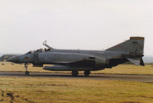 XV490 at Leuchars in Feb 92.